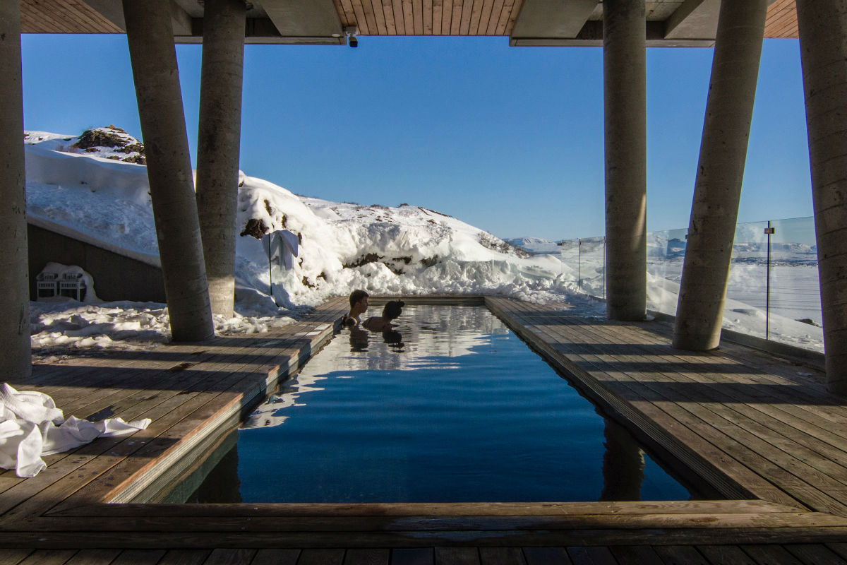 swimming pool hotel